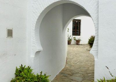 Las Lomas Club, Marbella - Calle cubierta - Donald Gray