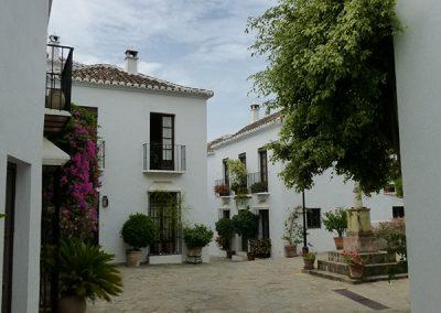 Las Lomas Club, Marbella - Plaza san Rafael - Donald Gray