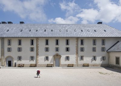Nuevo albergue de peregrinos Roncesvalles Front