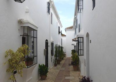 Pueblo López, Fuengirola - Donald Gray
