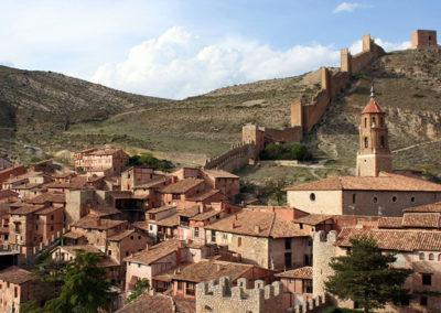 Vista del conjunto de Albarracín y la muralla